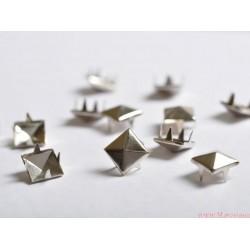 Ćwieki metalowe piramidki 6mm złote